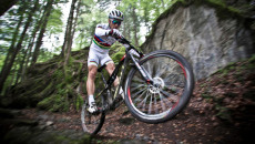 nino-schurter-in-the-hunt-for-glory-chapter-6